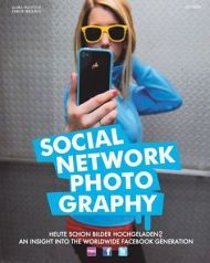 Laura Piantoni, Sabine Irrgang: Social Network Photography, 2011