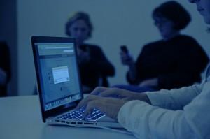 #intoblue: TWeetup in (k)einer Ausstellung / Photo: Vivi D'Angelo